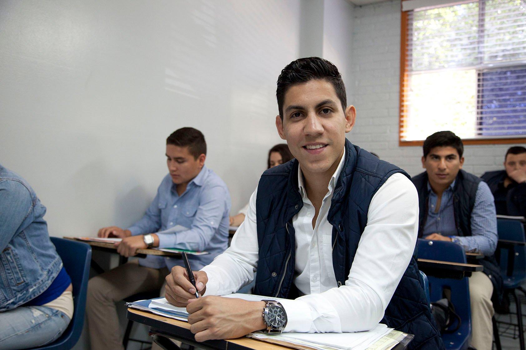 licenciatura-presencial-comercio-internacional
